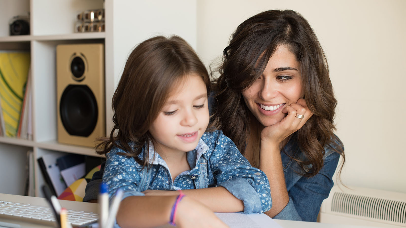 Cómo ayudar a los niños con las tareas escolares